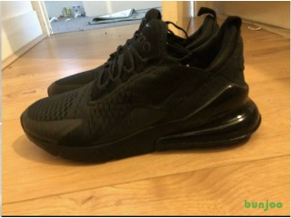 Brand New Nike triple black270 Size 8.5 07376932933