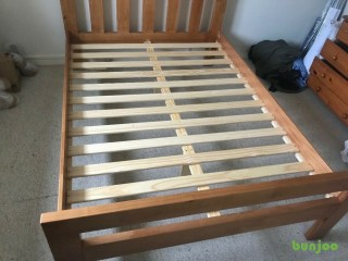 Solid wooden bed frame 4ft 6 no mattress