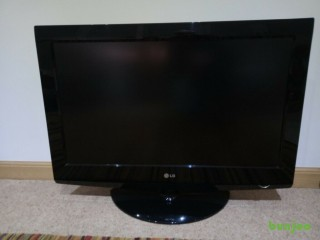 LG TV Television 32 Inch LCD 32LG3000 Great Working Condition