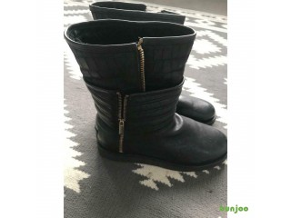 Black ugg boots size 5 brand new