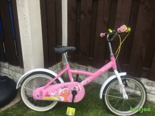 "Girls 16"" bike b twin in pink can deliver for a small charge"