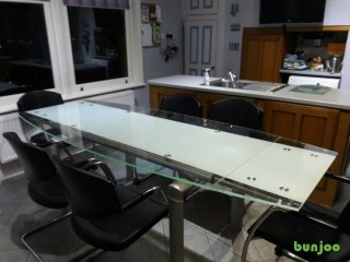 Extending Glass Dining Room Table with 6 chairs