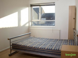 DOUBLE SINGLE ROOM IN LUTON TOWN CENTRE