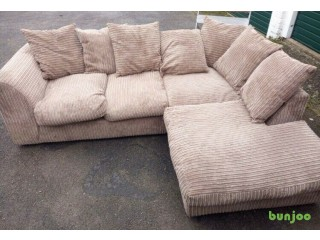 Beautiful fabric cord sofa good condition can deliver