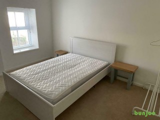 Spacious furnished double room available