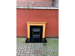 Very nice fireplace with electric fire insert£70