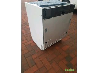 Brand New Beko Integrated Dishwasher Accidentally dropped RRP £250