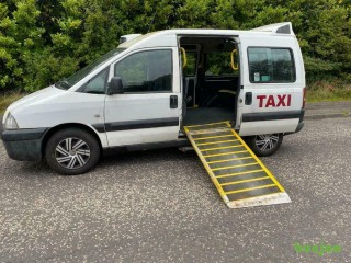DIESEL PEUGEOT EXPERT 2.0L (2006) year mot WHEEL CHAIR RAMP ready to drive away WAV 6 seater