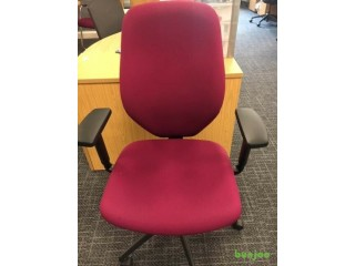 Office desk chair (300 available)