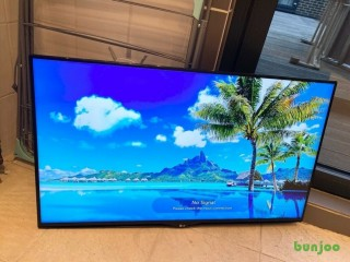 """LG 40"""" 4K ULTRA HD SMART LED HDR TV,GOOD CONDITION,FULL WORKING ORDER,COMES WITH WALL MOUNT £210"""