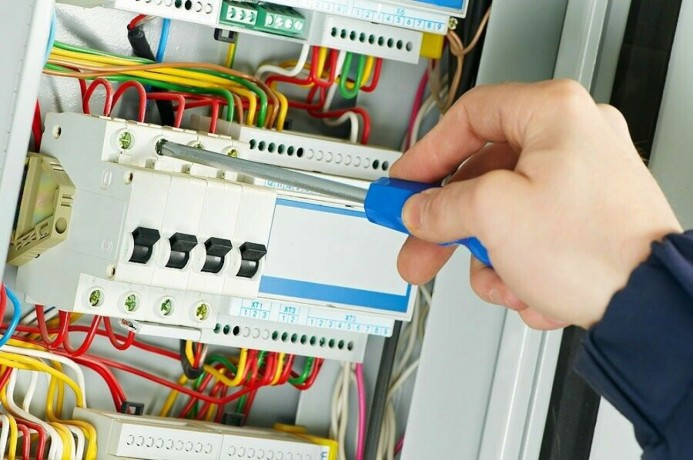 electrician-07747178880-service-247-call-out-big-0