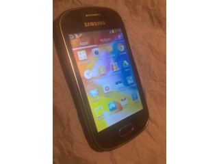 Samsung Galaxy Fame android smart phone (unlocked)