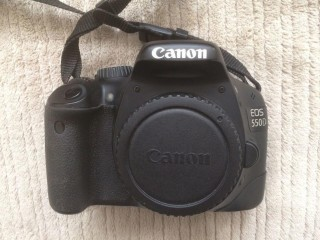 Canon DSLR Camera With EF-S 18-135mm IS Lens & Accessories Bundle - Full Kit