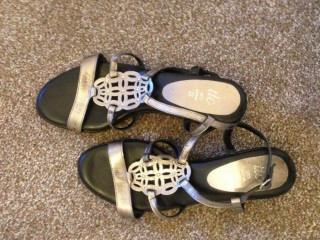 TLC LADIES UK SIZE 5 LEATHER SANDALS