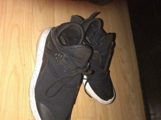 Black Jordan's Shoes