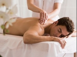 Experienced masseuse for full body therapeutic massage in Central London, In and Out calls