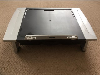 Monitor laptop riser stand