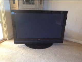 "42"" LG FLAT SCREEN TELEVISION with REMOTE CONTROL (with Stand & Wall Bracket)"