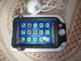 LEAPFROG LEAPPAD ULTRA + CHARGER + USB LEAD + 2 GAMES