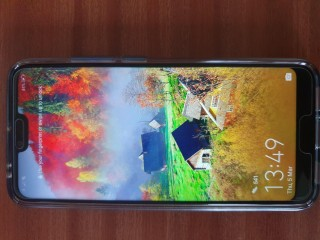 Honor 10 Mobile Phone, 12 month warranty