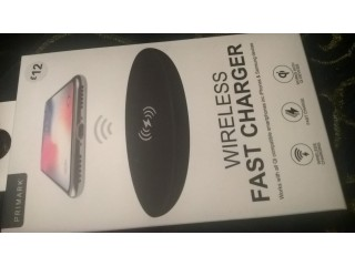 Wireless fast charger (iphones, Samsung, Qi devices)