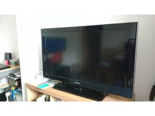 Quality Samsung 40inch LCD Television 1080p with integrated Freeview in excellent working order