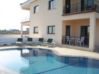 Stunning North Cyprus 3 bedroom villa with private pool for rent from £375 per week