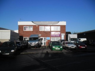 Office suite to let in heart of trading estate available on flexible terms