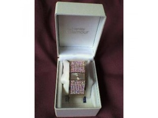 Ladies Henley gold/crystal watch, Brand new