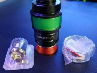 Vaporesso Cascade Baby SE Sub Ohm Tank in Black/Green. Vape Vaping Vaporiser. Wandsworth, London