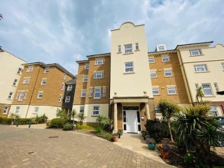 A TWO/THREE BEDROOM FIRST FLOOR FLAT WITH BALCONY ON CHRISTCHURCH PLACE, SOVEREIGN HARBOUR NORTH!