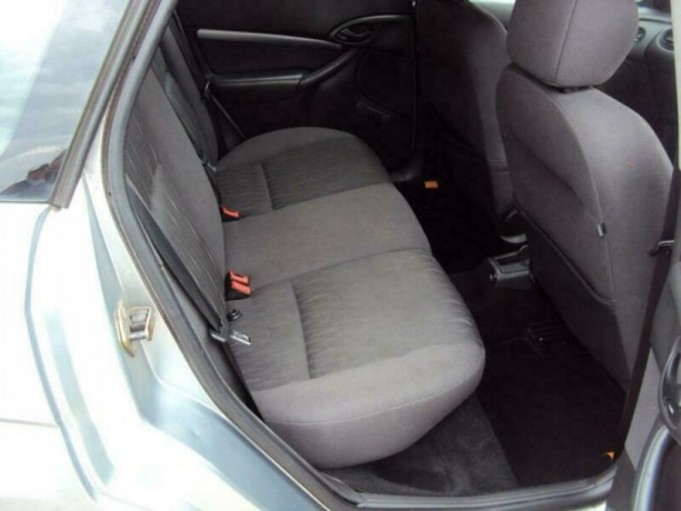 ford-focus-18i-16v-2004my-zetec-romford-london-big-2