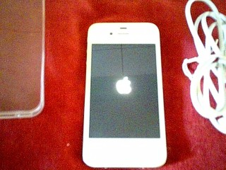 Apple iphone 4 unlocked 16 gb memory excellent condition