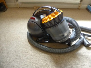 DYSON DC 39 VACUUM CLEANER