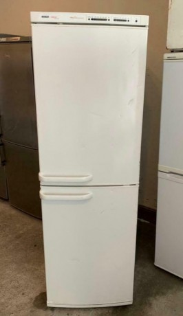 bosch-exxcel-big-fridge-freezer-with-warranty-chingford-london-big-1
