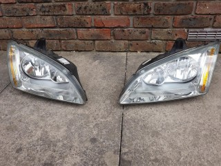 2 x Headlights Ford Focus Mk2