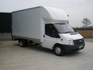 CHEAP MAN WITH VAN HIRE MOVING COMPANY MOPED BIKE DELIVERY FULL HOUSE MOVERS NATIONWIDE REMOVALS. Romford, London