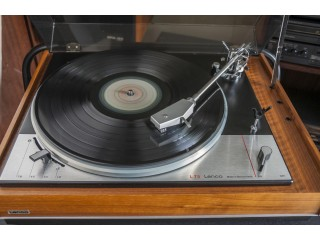 Older Hi - Fi (60's - 80's ) equipment wanted. Premium prices paid for Premium Condition.