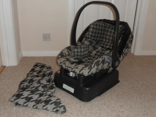 Baby car seat - REDUCED !