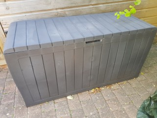 KETER Outdoor Lockable Storage Box