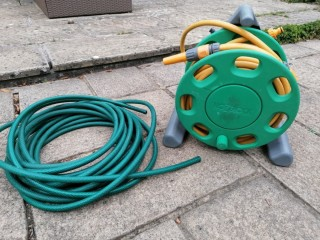 Hozelock 30m hosepipe on reel