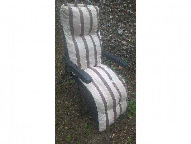 sun-lounger-adjustable-positions-big-1