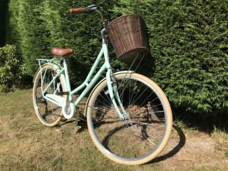 BEAUTIFUL PENDLETON SOMERBY MINT BICYCLE