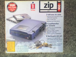 IOMEGA External SCSI ZIP Drive + PSU, 25 WAY SCSI INTERFACE - C