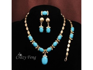 LADIES TRENDY CRYSTAL SET