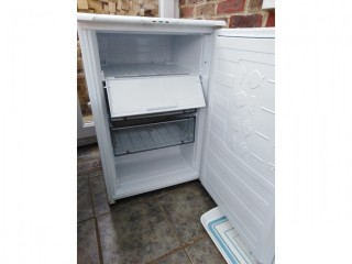 Hotpoint Ice Diamond Under counter Freezer