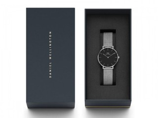 Daniel Wellington 32mm Petite Sterling Silver Mesh Strap Black dial Women's Watch RRP £139