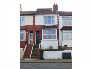 Fully furnished 4 bedroom student house for rent by private landlord