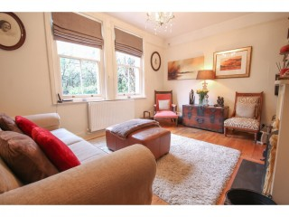 3 bedroom flat in Forest Row