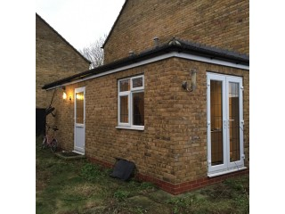 Free loan vacant today any price goes free solicitor Located in barkingside IG5 , London the prope